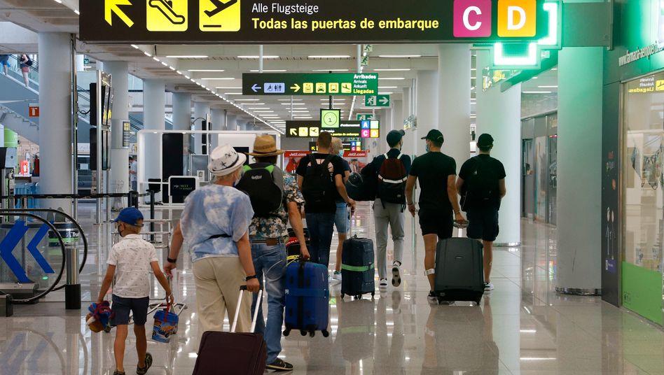 Passagiere am Flughafen Mallorca