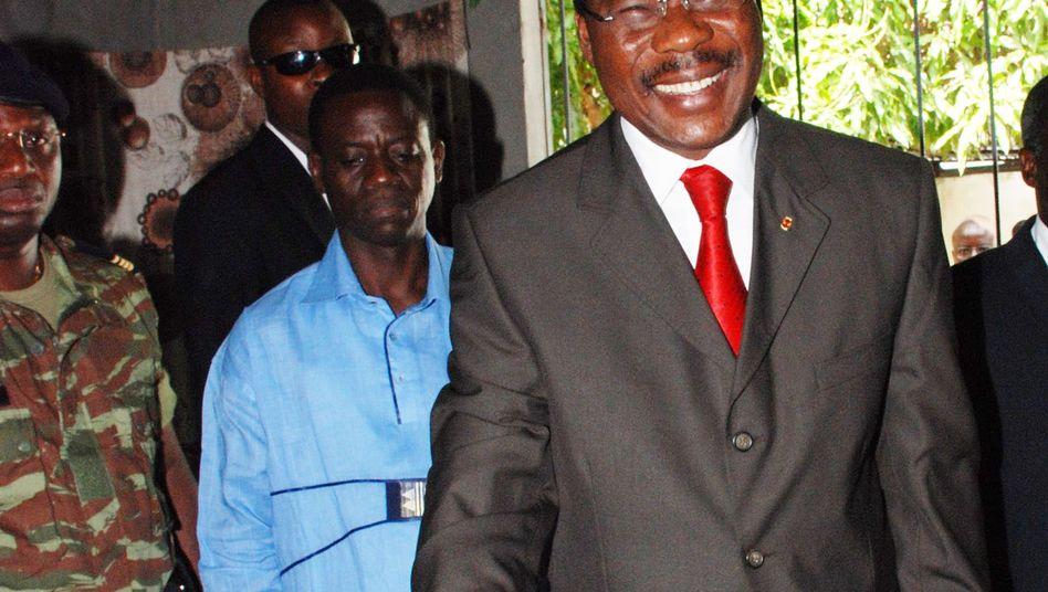 Benins Präsident Boni Yayi: Opposition fordert Rücktritt nach Finanz-Skandal