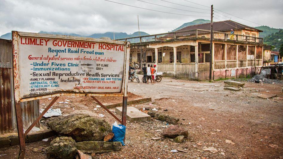 Krankenhaus in Sierra Leone: Ärzte ohne Grenzen kritisieren Bundesregierung