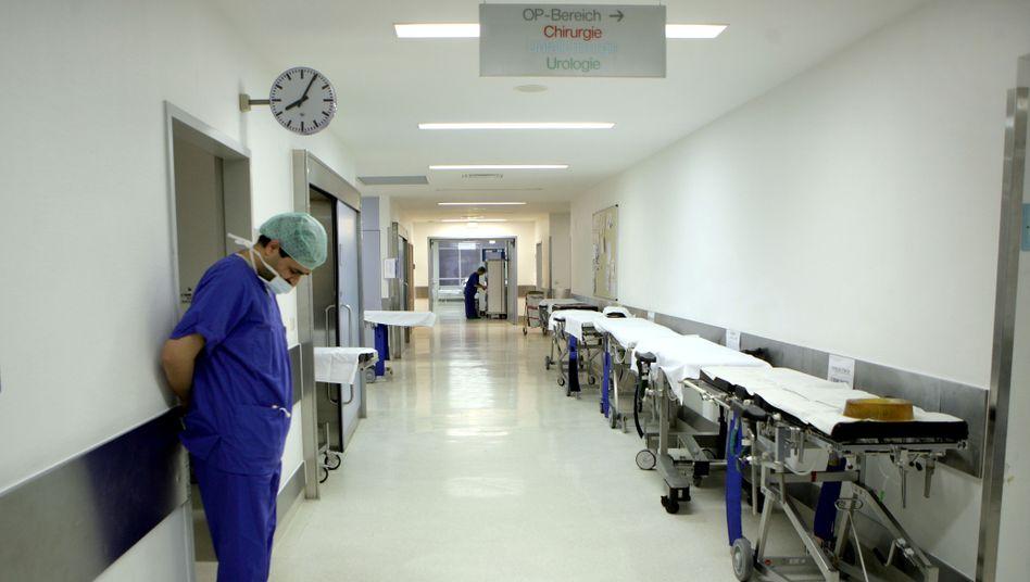 Krankenhaus (in Bonn, März 2006): Gefährliche Resistenzen durch Desinfektionsmittel