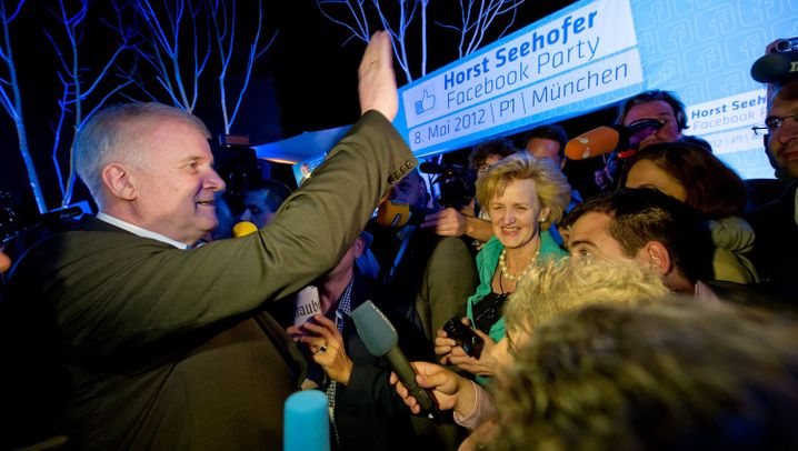 Seehofer schmeißt Facebook-Party: Stimmenfang 2.0