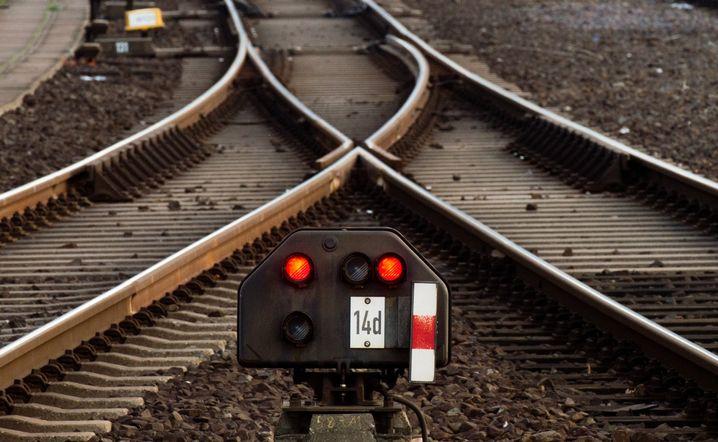 Die Achillesferse des Systems Bahnverkehr: Fahrdienstleiter verantworten unter anderem, dass die Weichen richtig stehen. Ohne sie wäre Bahnfahrt lebensgefährlich