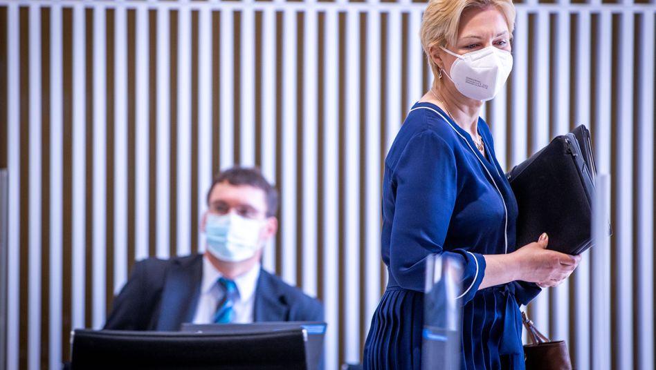 Notbremse gezogen, gelten soll sie aber erst ab Montag: Mecklenburg-Vorpommerns Ministerpräsidentin Manuela Schwesig