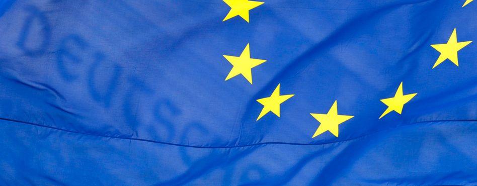 """Europaflagge (vor dem deutschen Reichstag): Als """"Eurotrash"""" in New York"""