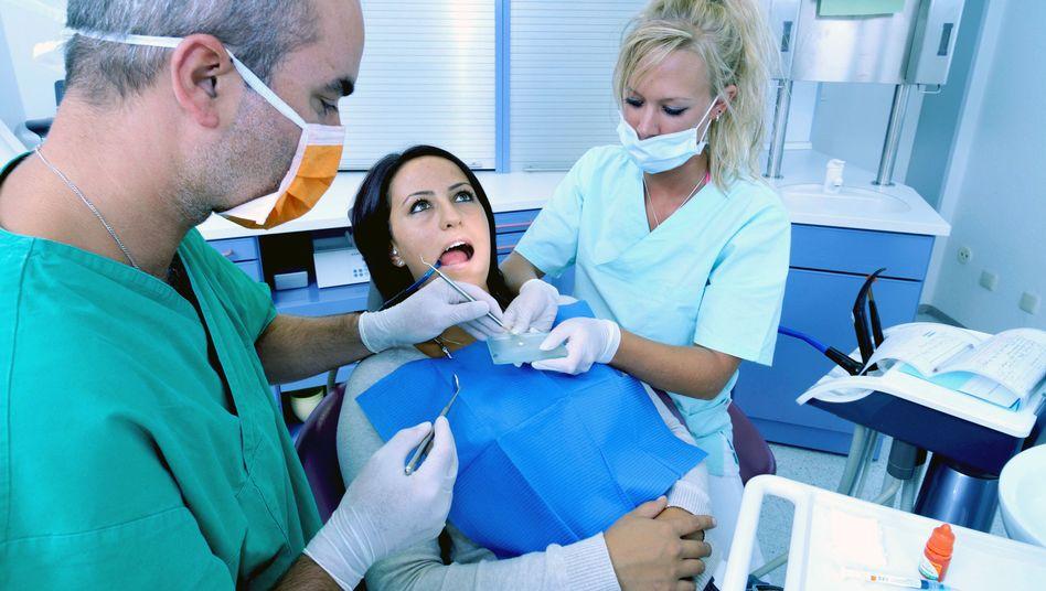 Zahnarztbesuch: Nur zehn Prozent der Zahnärzte sind ausgebildete Fachärzte