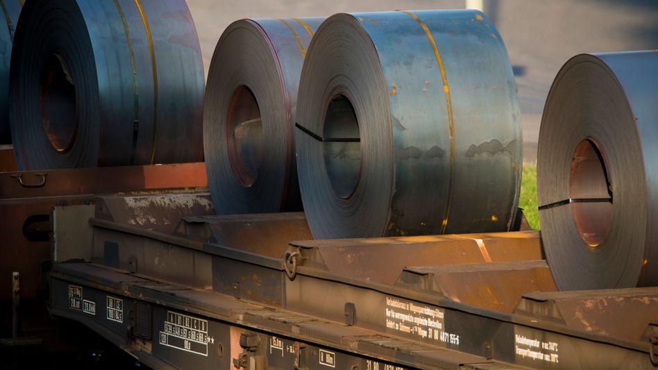 Eisenbahnwaggon mit deutschem Stahl für den Export (Archivfoto)