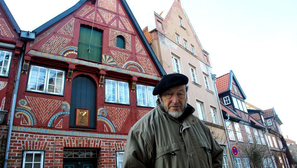 """Restaurator Kurt Pomp in der Lüneburger Altstadt: """"Die Leute lauern alle auf Denkmale."""""""