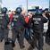 Polizei untersagt Demo - und lässt sie trotzdem laufen