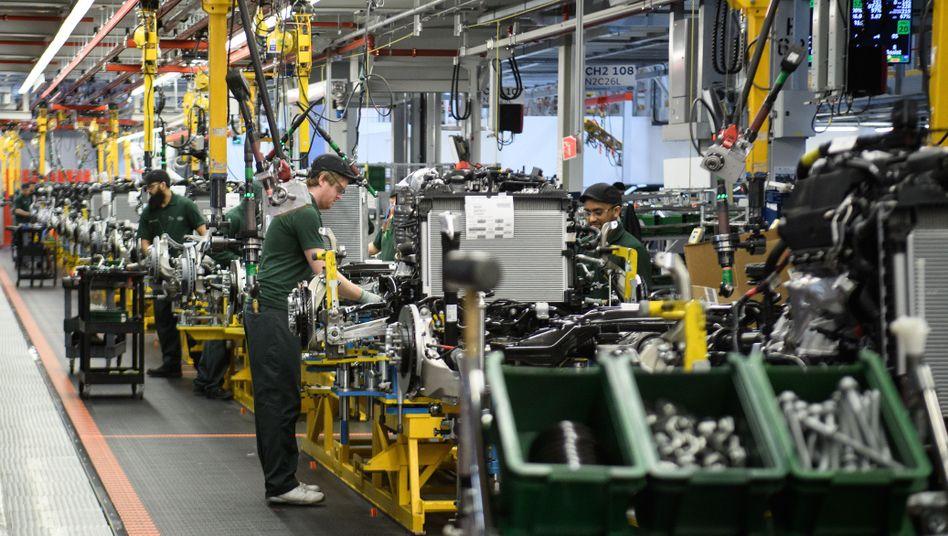 Montage im Jaguar-Land-Rover-Werk in Solihull (Mittelengland)