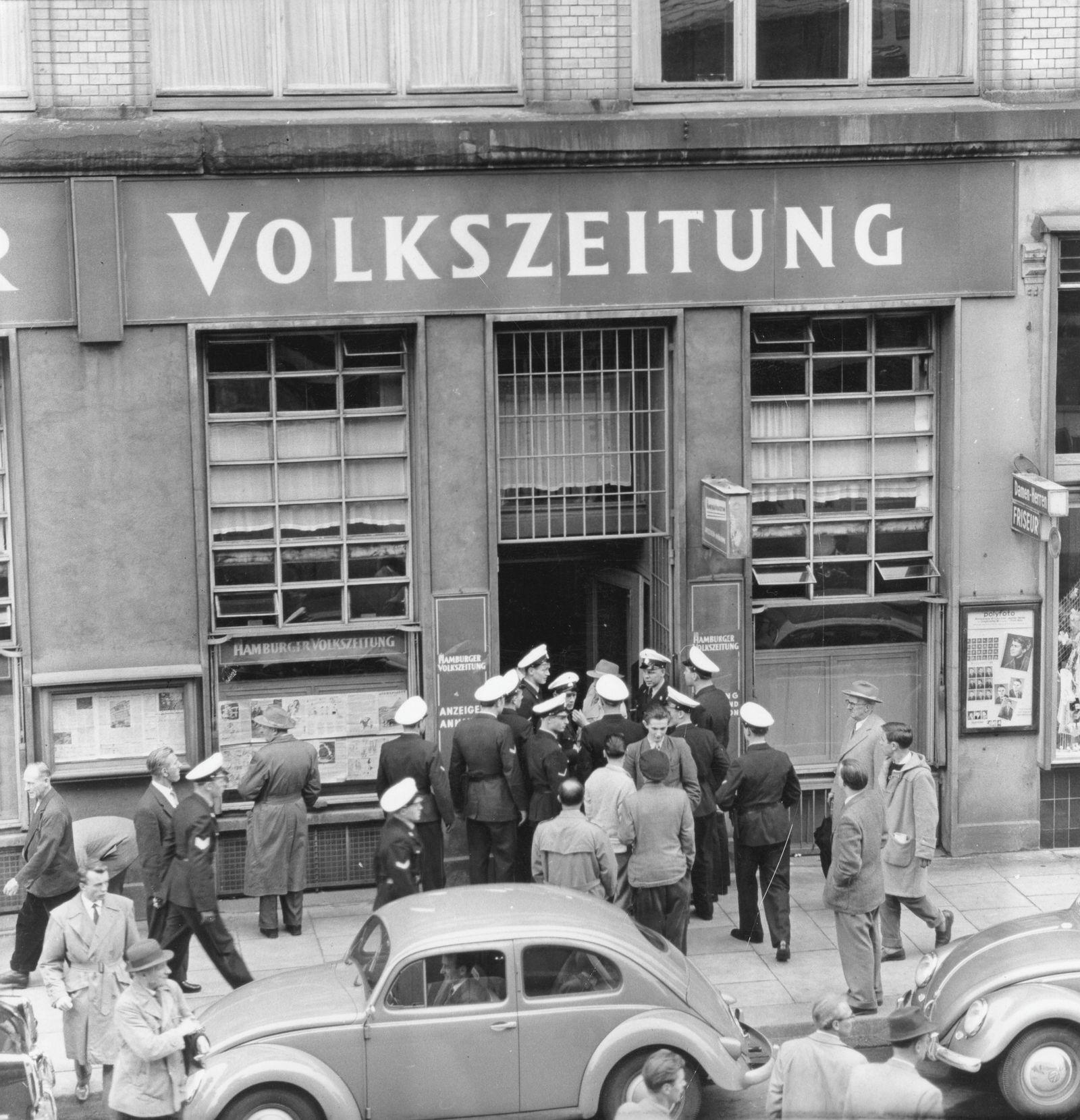 KPD-Verbot - Schliessung der Redaktion des Parteiorgans 'Freie Volkszeitung' in Hamburg