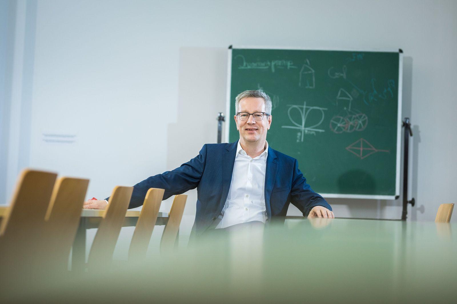 EINMALIGE VERWENDUNG Günter Ziegler