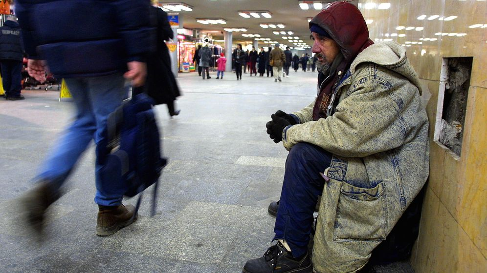 Photo Gallery: Hungary's Tough New Law on Homelessness