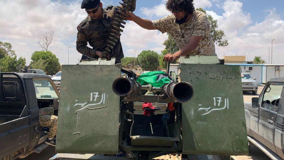Kämpfer der international anerkannten Einheitsregierung in Tripolis