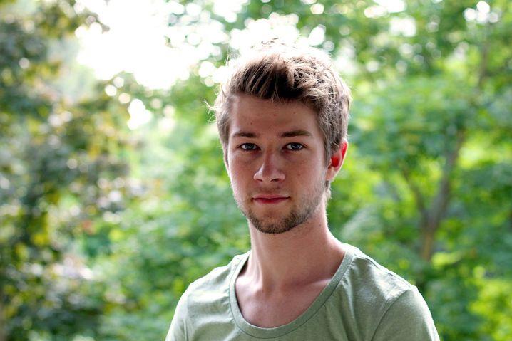 Lukas, 21, wird Landschaftsgärtner, weil BWL nichts für ihn war. Für ihn ist die Ausbildung im Moment richtig - aber das letzte Wort ist noch nicht gesprochen.