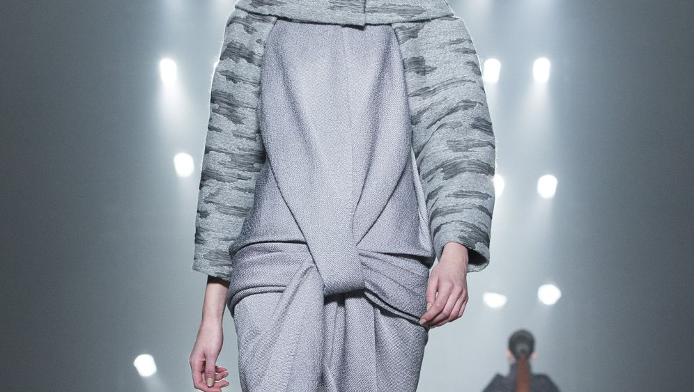 """Schauen der Fashion Week: """"Weiblichkeit ist eine Superwaffe"""""""