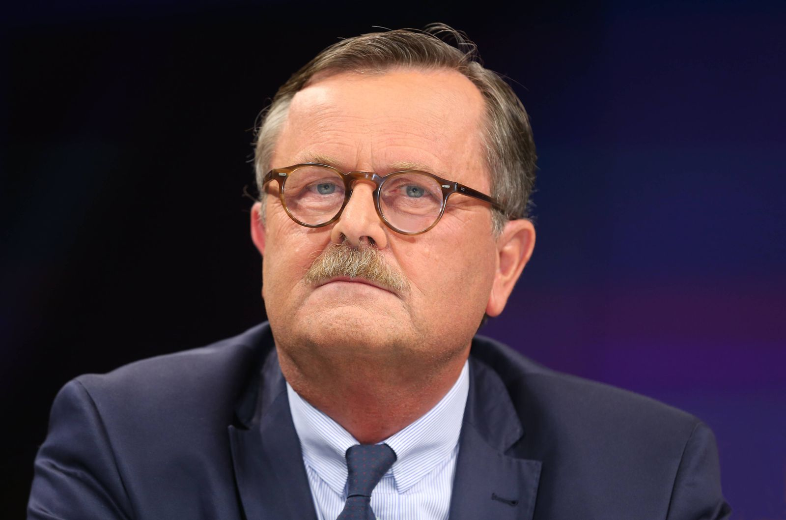 Frank Ulrich Montgomery (Präsident der Bundesärztekammer) in der ZDF-Talkshow maybrit illner am 02.10..2014 in Berlin T