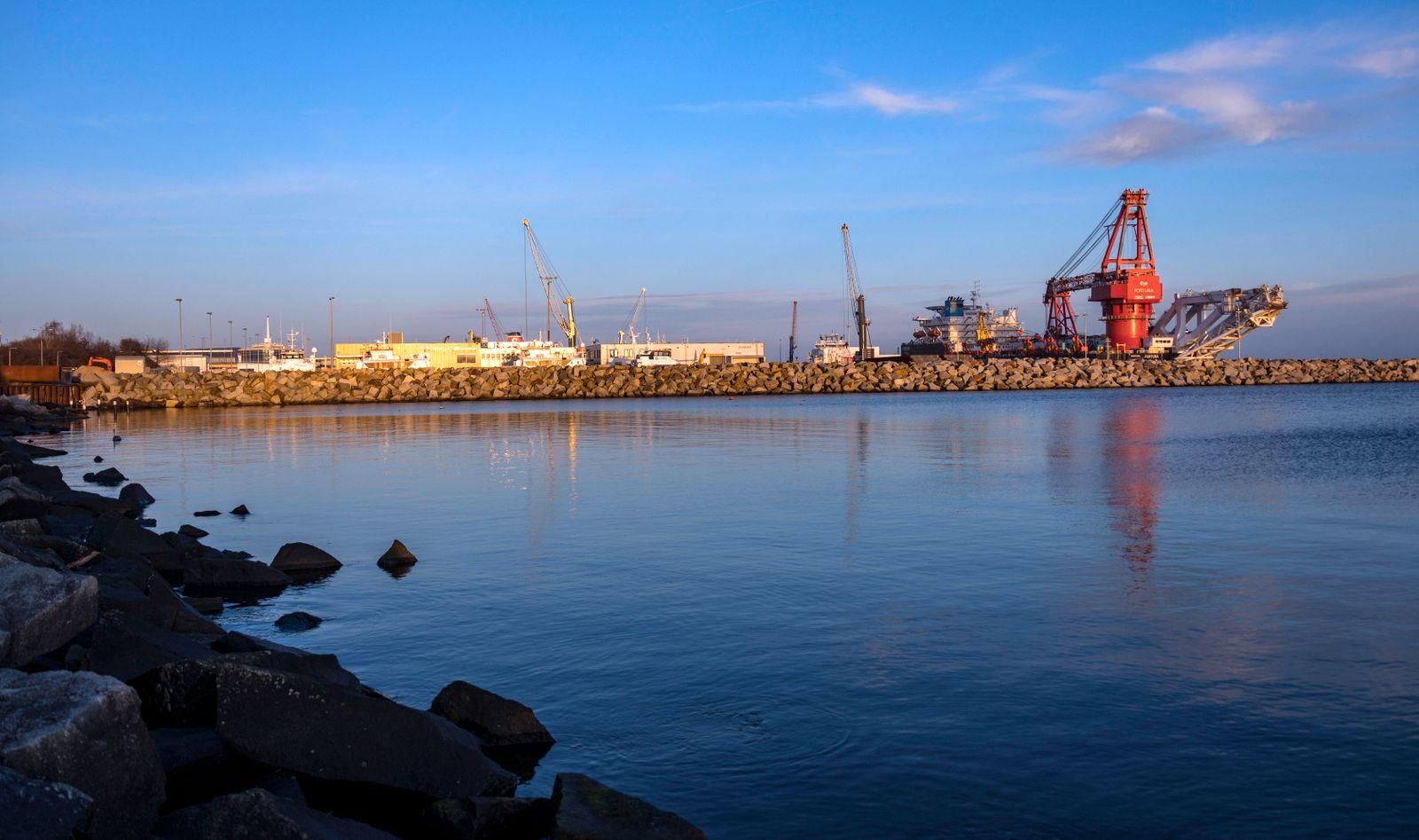 Verlegeschiff f¸r Nordstream 2 Das russische Verlegeschiff Fortuna wartet auf den Weiterbau der Gas-Pipeline Nordstream