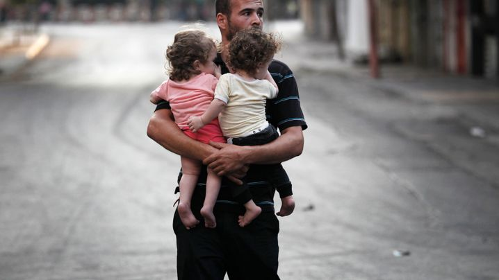 Beschuss durch Israels Armee: Tausende Bewohner von Gaza auf der Flucht
