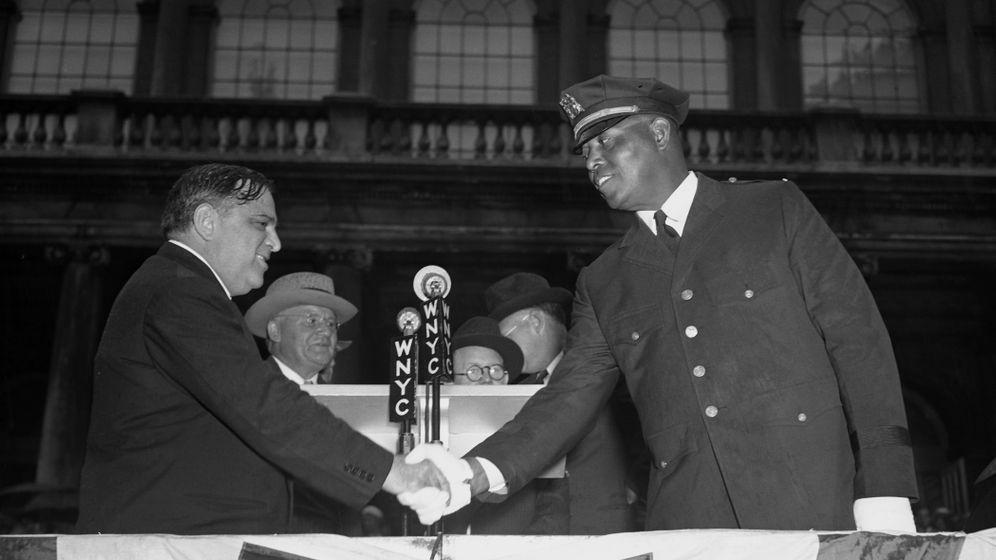 Samuel Battles Kampf: New Yorks erster schwarzer Polizist