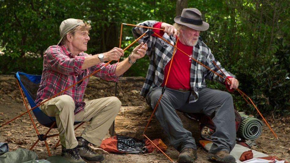 Komödie mit Nick Nolte und Robert Redford: Wo sich Mann und Bär gute Nacht sagen