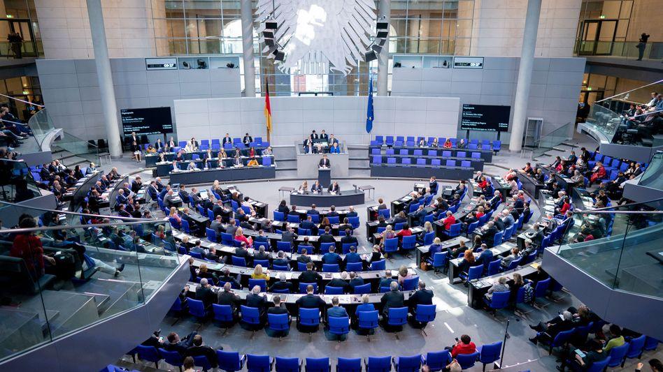 Bundestag: Wie lässt sich die Zahl der Sitze verringern?