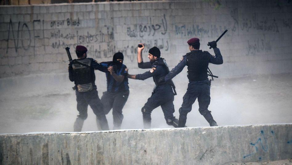 Proteste in Bahrain (Archivbild): Geheimdienste wollen Aufstände frühzeitig erkennen