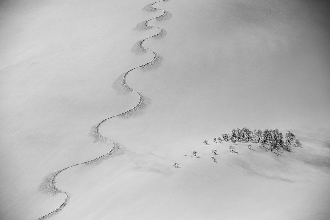 Snowboard-Track-on-Norikura-By-Scott-Rinckenberger
