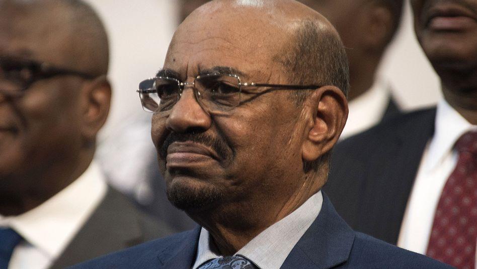 Baschir auf dem AU-Gipfel in Johannesburg: Die Uno macht Druck auf Südafrika