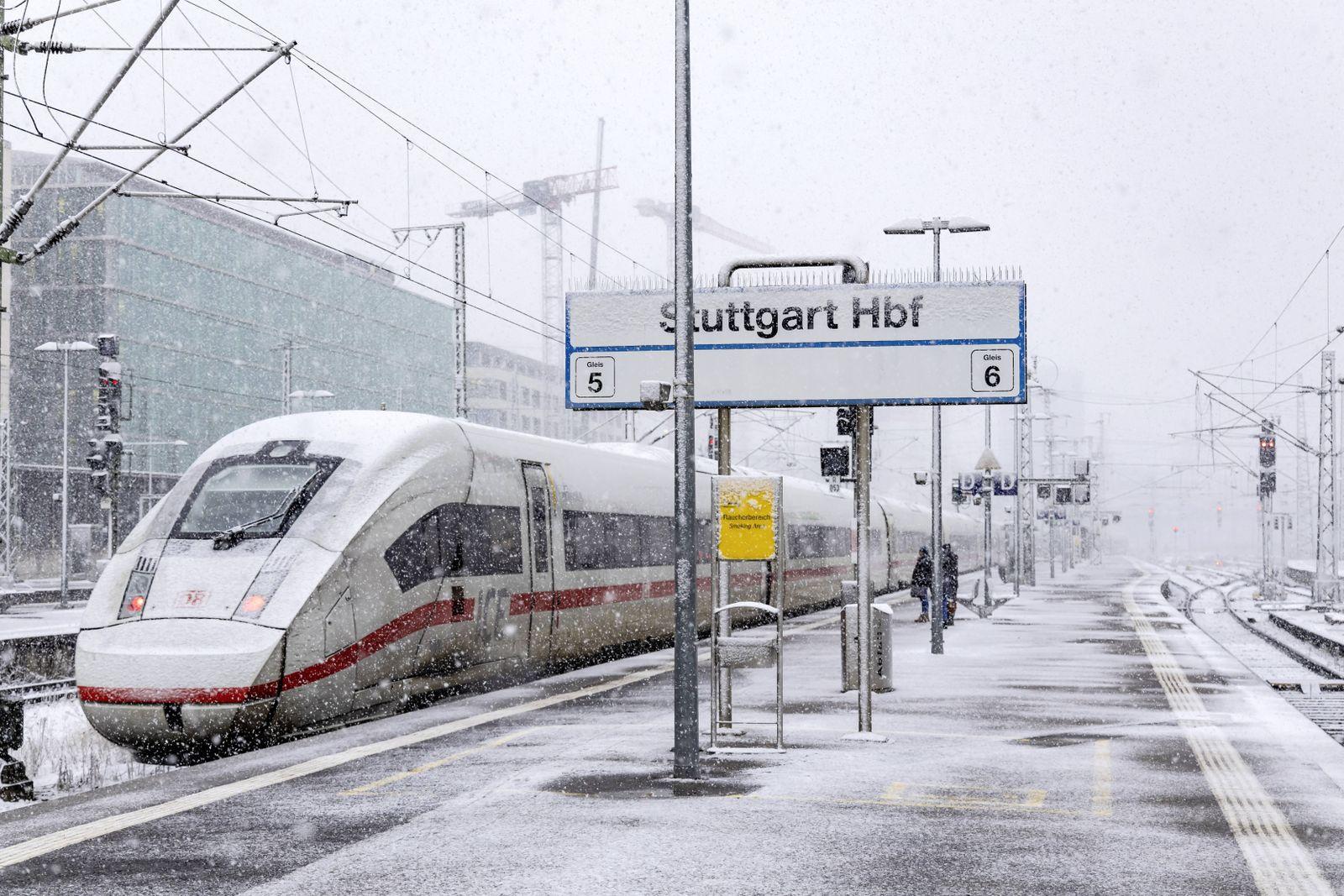 EINMALIGE VERWENDUNG ICE Bahn / Schnee