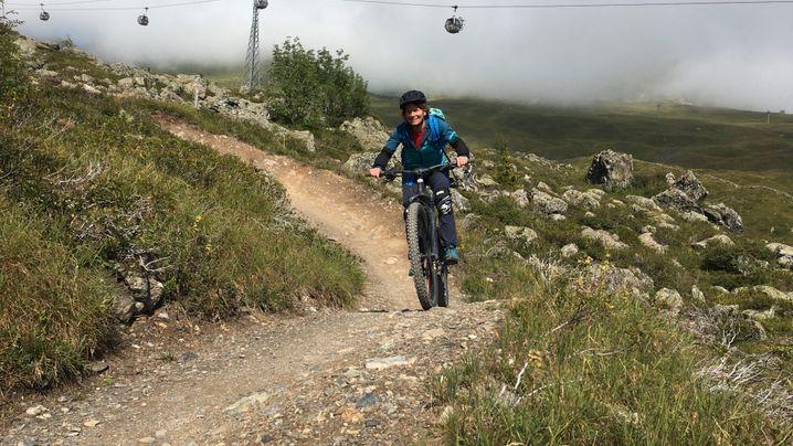 Mountainbiken bei Arosa: Ab auf die Piste