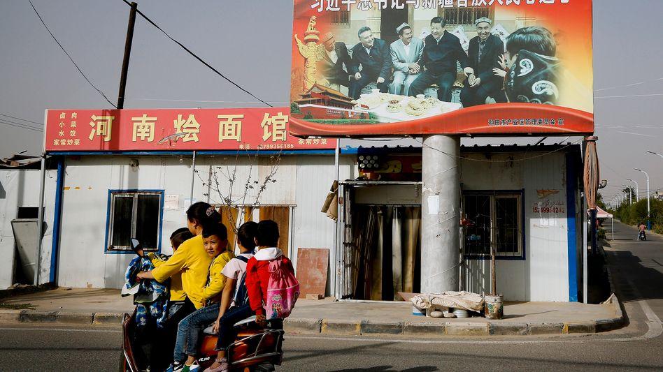 Die muslimische Minderheit der Uiguren wird in China unterdrückt. Die EU, Großbritannien und die USA haben deshalb Sanktionen verhängt (Archivbild)