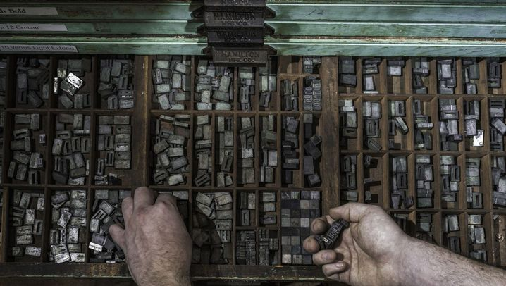 Menschen bei der Arbeit: Auf die Finger geschaut