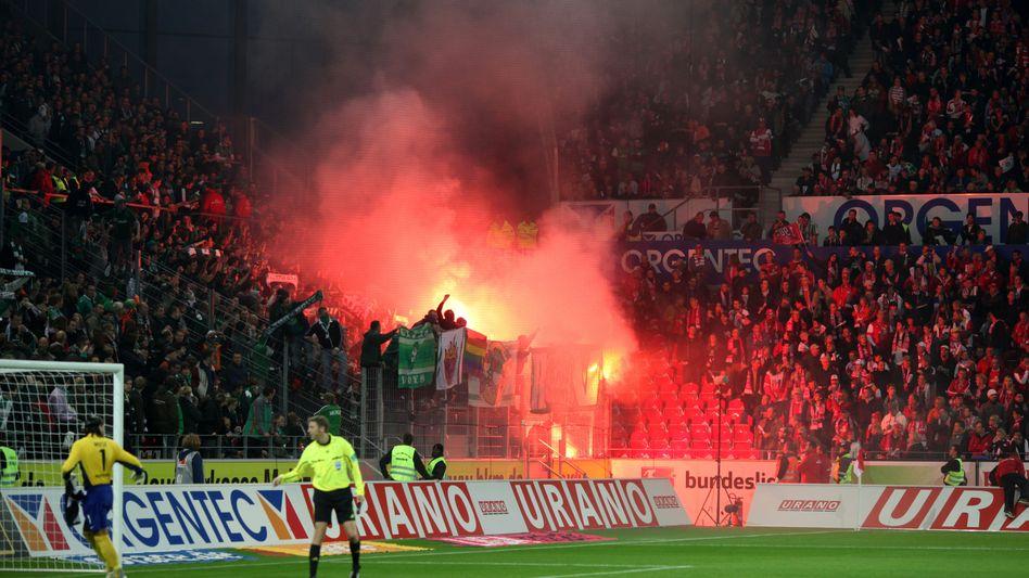 Pyro-Einsatz beim Bundesliga-Spiel zwischen Mainz und Bremen: Verbot gilt weiterhin