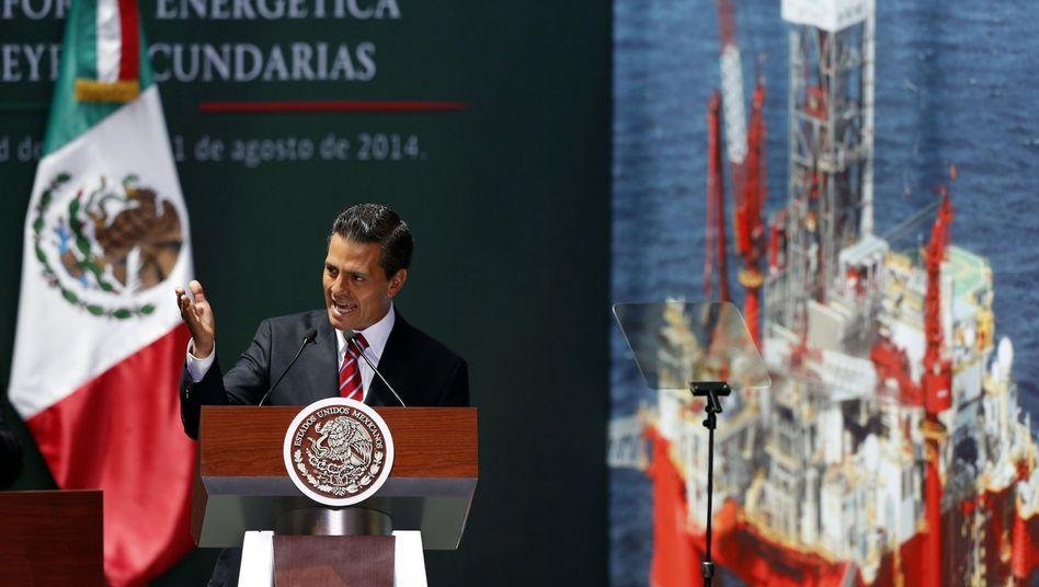 Enrique Peña Nieto: Der staatliche Energiekonzern darf Verträge mit Privatunternehmen schließen