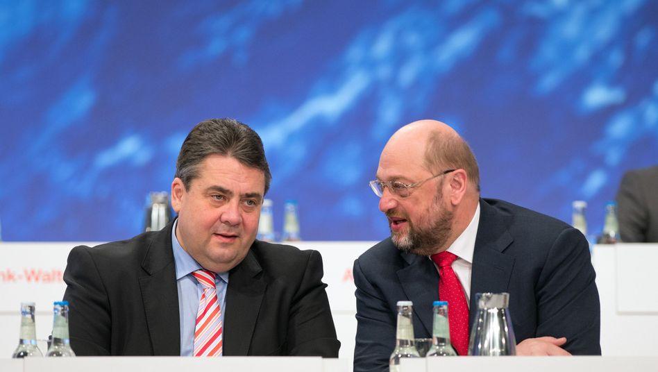 SPD-Chef Sigmar Gabriel (l.) und EU-Parlamentspräsident Martin Schulz