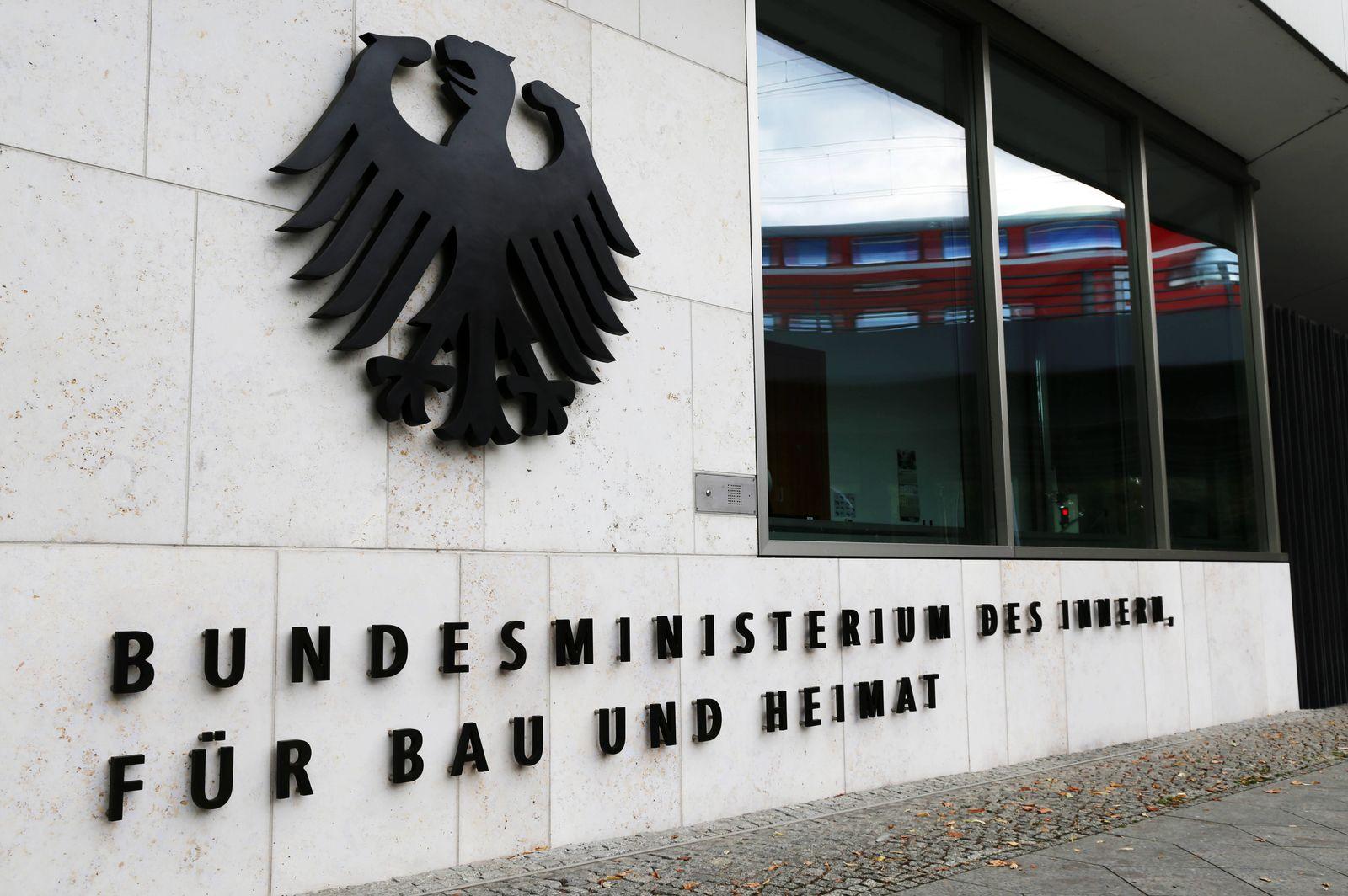 Bundesministerium des Innern, f¸r Bau und Heimat, Hauptsitz Berlin *** Federal Ministry of the Interior, for Building a