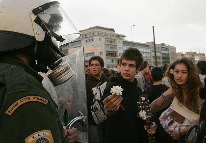 """Friedliche Demonstranten am Syntagma-Platz: """"Wir sind keine Hooligans oder Terroristen"""""""