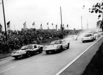 Mit Tempo 170 auf der Piste: Für den Einsatz im Rennen wurde die Motorleistung des Melkus RS 1000 auf 90 PS gesteigert