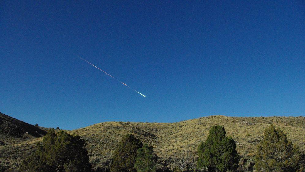 Meteor über Sierra Nevada: Grelles Leuchten und lautes Beben
