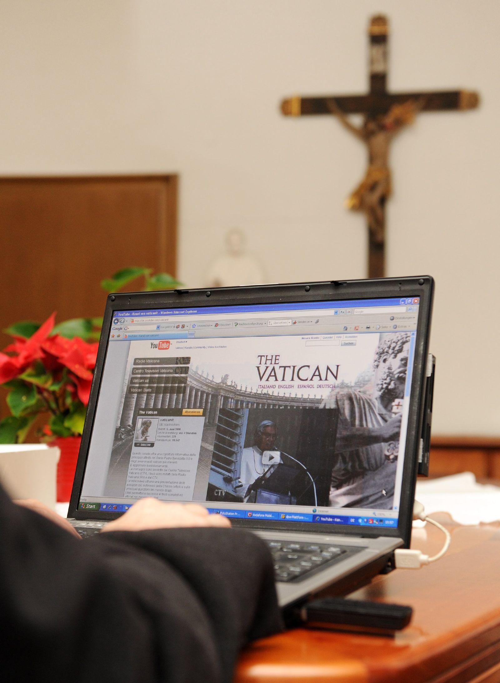 Papst katholische Kirche Kreuz youtube