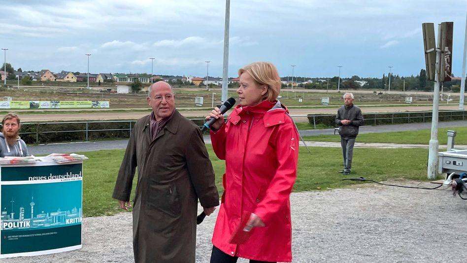 Gregor Gysi und Gesine Lötzsch beim Wahlkampf in Berlin