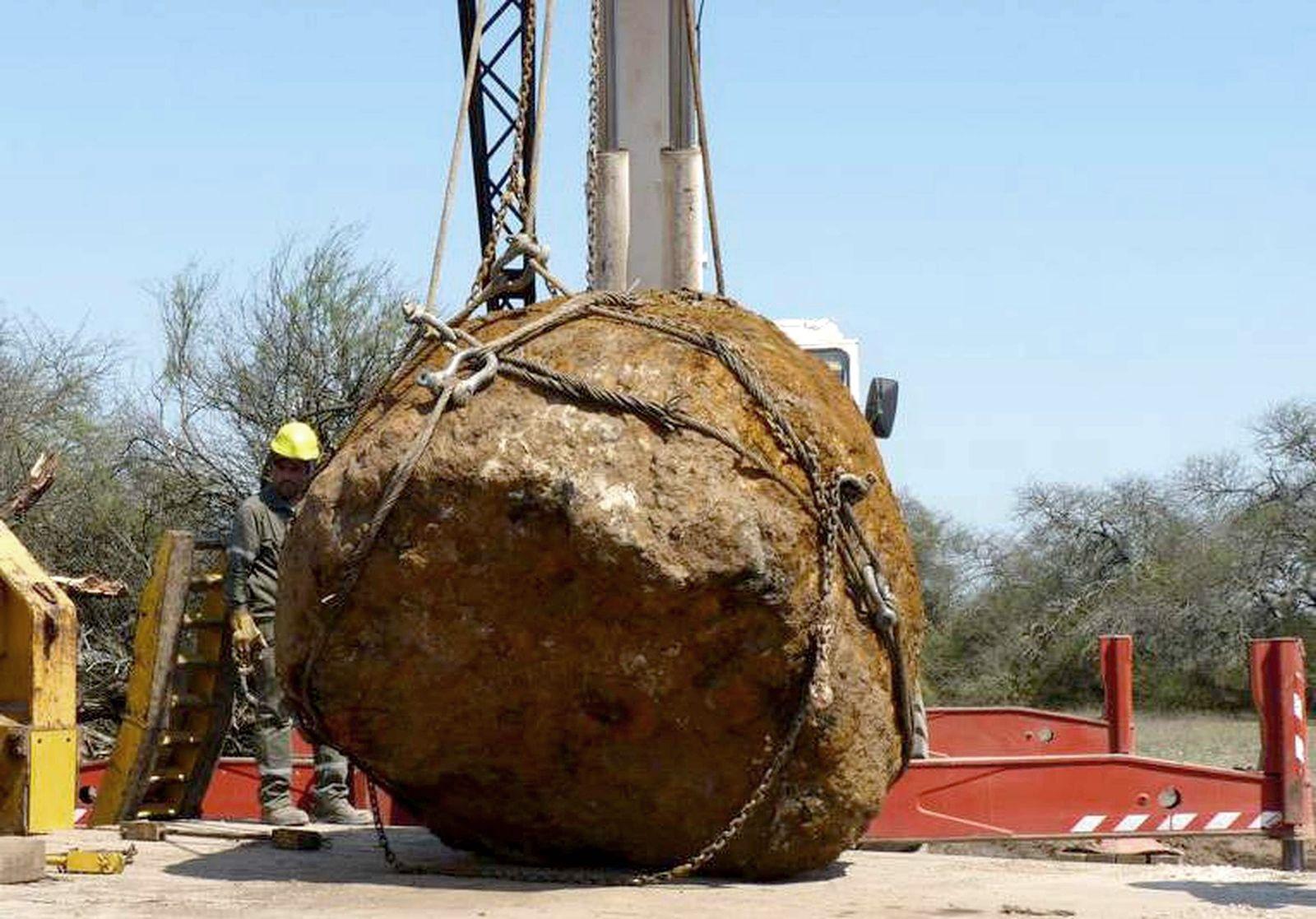 EINMALIGE VERWENDUNG Meteorit/ Argentinien/ 30 Tonnen