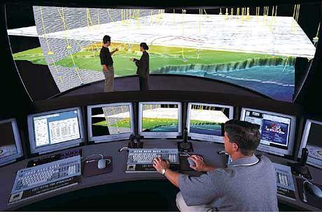 2. Simulation: Neue Hochleistungscomputer errechnen daraus eine räumliche Szenerie und projizieren sie auf eine Großleinwand. Gesteinsschichten, kilometertief unter der Erdoberfläche, lassen sich nun nach Belieben erforschen. Die Ölsucher bewegen sich wie in einer Tauchkapsel durch die virtuelle Unterwelt. So können sie vor Ort über den besten Zugang zum Ölfeld beraten