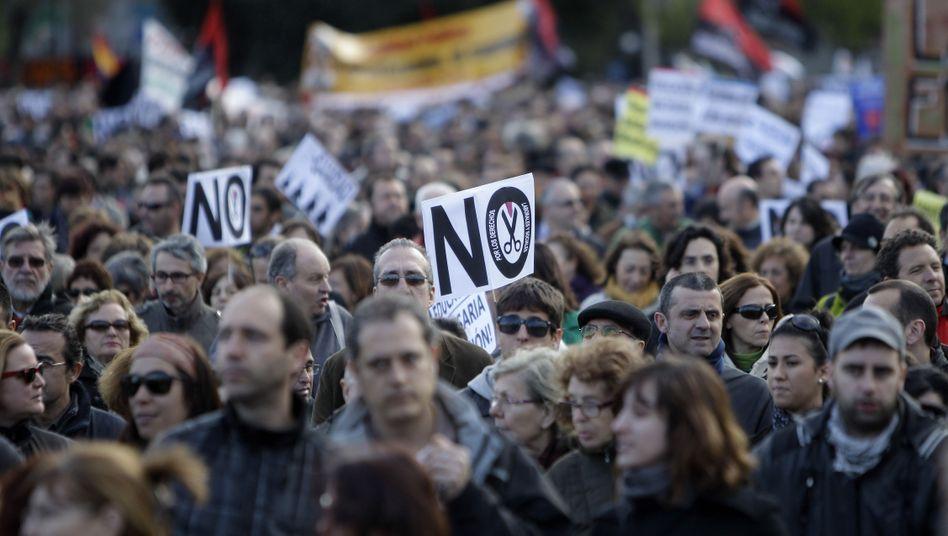 Demonstranten am Wochenende in Madrid: Zurück in die Rezession