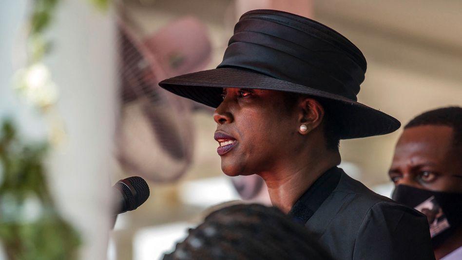 Martine Moïse bei der Beisetzung ihres Mannes im Juli 2021