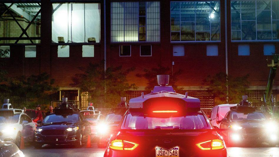 Autonome Uber-Testfahrzeuge in Pittsburgh, Pennsylvania, 2016: Die deutsche Autoindustrie zählt zu den potenziellen Opfern