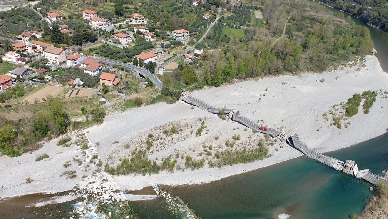 Italien: Brücke zwischen Ligurien und der Toskana eingestürzt - DER SPIEGEL - Panorama
