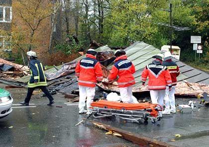 Von Trümmern erschlagen: Im westfälischen Hamm wurde ein Mann durch ein herabstürzendes Dach getötet