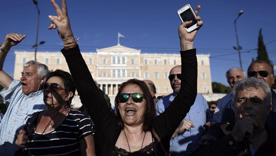 Demonstranten in Athen: Tausende Griechen forderten, ihr Land solle in der Eurozone bleiben