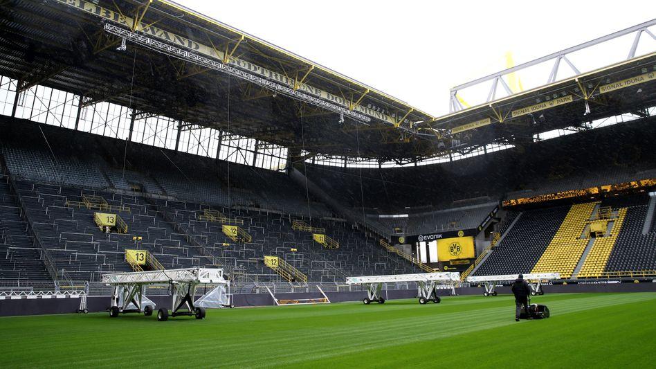 Auch das Stadion in Dortmund bleibt vorerst leer und ohne Spielbetrieb